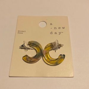 NWT a new day earrings #273